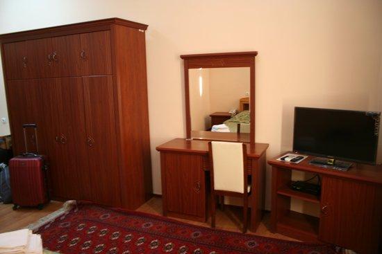 Turkmenabat, Turkmenistan: Our room