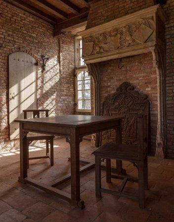 Slot Zuylen: Poortgebouw met in 1905 hier vervaardigde Rietveld meubels