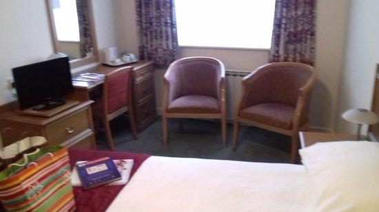 Mayfair Hotel: Chambre pour 2 adultes et 2 enfants
