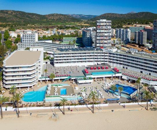 Vista aerea playa piscina y hotel picture of sol wave - Piscina playa ...