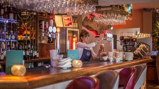 The Longhouse: Bar
