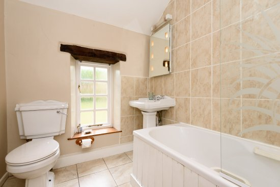Trenant Park Cottages: Offerd Cottage Bathroom