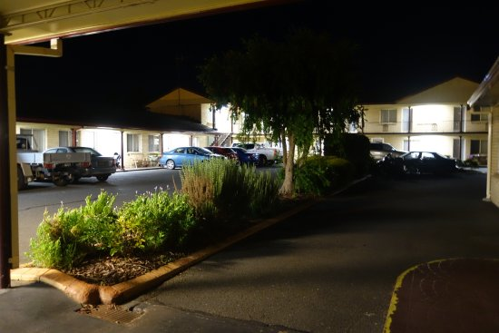 Goulburn, Australia: The place by night