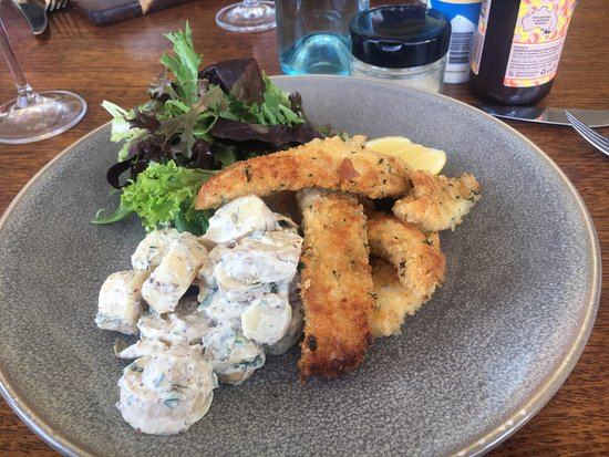 Fowles Wine Cellar Door and Cafe: Fish with potato salad