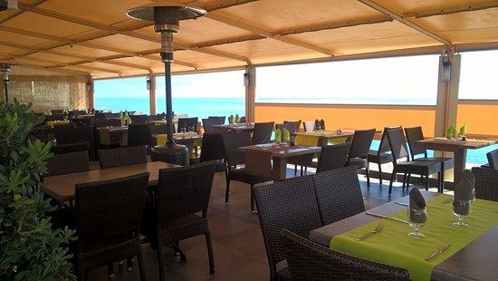 Terrasse couverte - Picture of Bor Di Mare, San-Nicolao - TripAdvisor