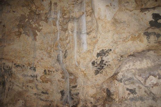 Hoyop-Hoyopan Cave: Rock Crystal