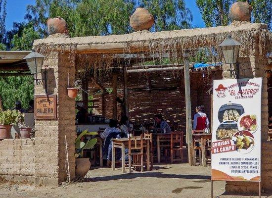 El Aujero: A la entrada de Cachi - Salta