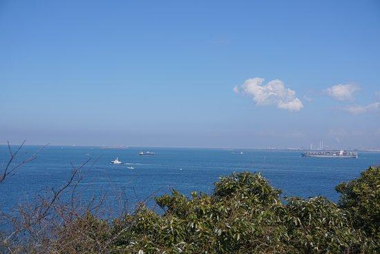 Kannonzaki Lighthouse: 遠く浦賀水道を望む