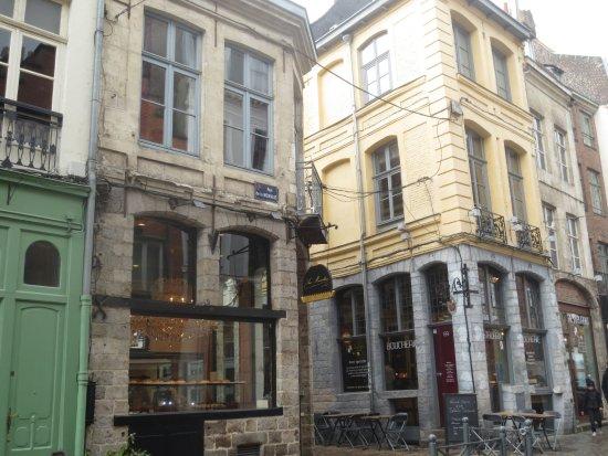 Aux Merveilleux de Fred: La boutique rue de la monnaie