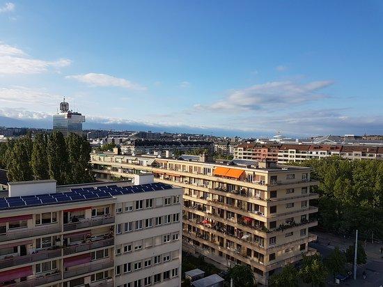Starling Residence Geneve: 20170508_190901_large.jpg