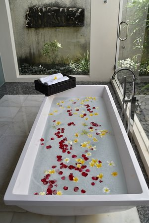 Villa Air Bali Boutique Resort & Spa: You private spa...