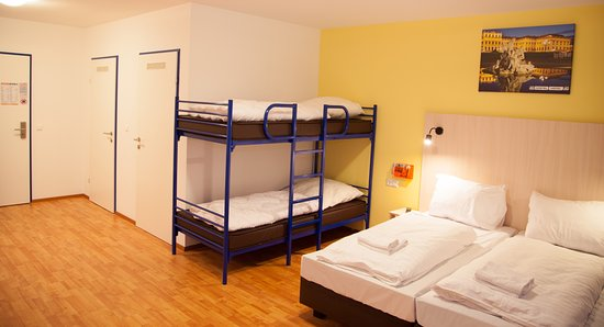 a o hamburg reeperbahn germany hostel reviews photos. Black Bedroom Furniture Sets. Home Design Ideas
