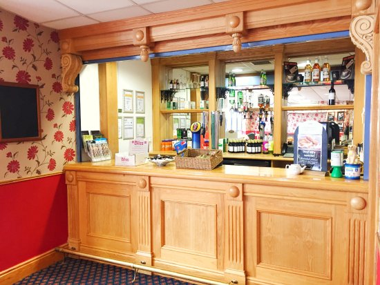 Burgess Hill, UK: cafe bar
