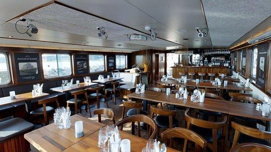 Salonen, som er bådens restaurant