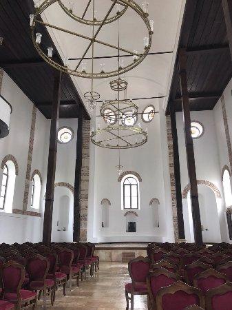 Aziz Pandelemion Kilisesi