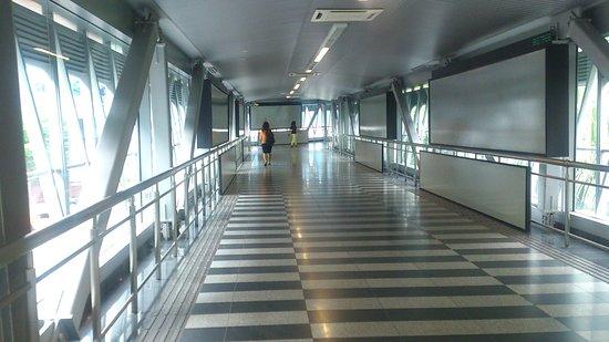 城中城-武吉免登空桥系统