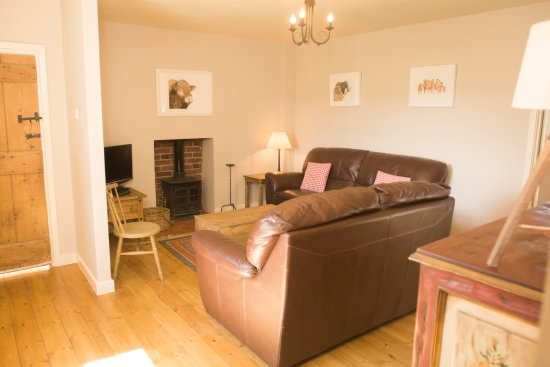 Doxford Farm Cottages: East End living room