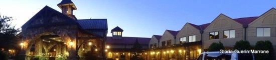 Legacy Lodge: Panoramic of Hotel Enterior