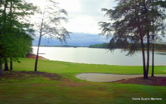 Legacy Lodge: Golf Course With View of Lake