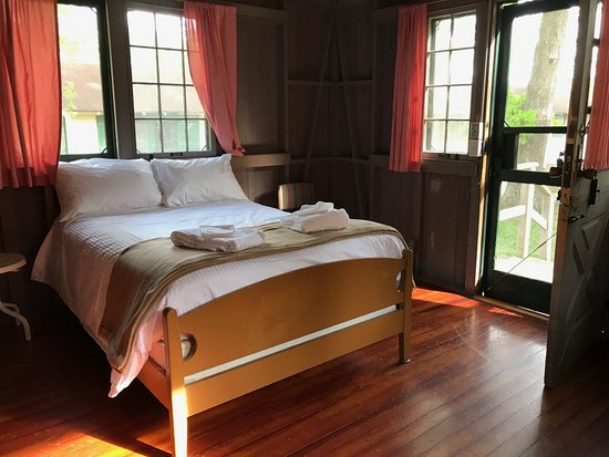 The Lodge At Mammoth Cave Woodland Cottage Double Bed Room