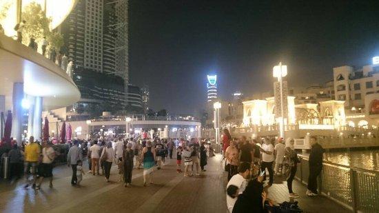 The Dubai Mall: Burj Khalifa and Dubai mall mai 2017