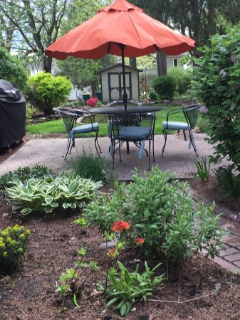 Wooster, OH: Relax Outdoors on the Patio