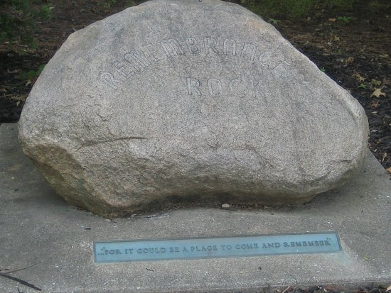 Galesburg, IL: Remembrance rock in the garden (Carl's ashes are below the rock).