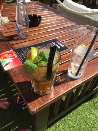 Zen Lounge Bar and Grill: photo0.jpg