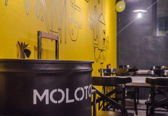Perm, Rusya: Molotov bar_02