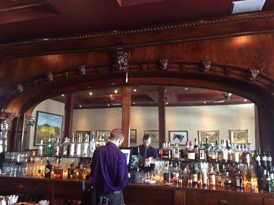 Orland, CA: Bar