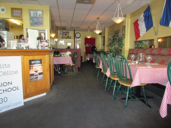 Le Cafe Francais: Interior from our table