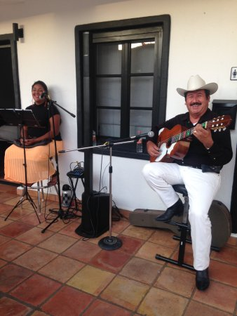 La Marina Inn: Some of our local talent.  Monday, Thursday and Friday
