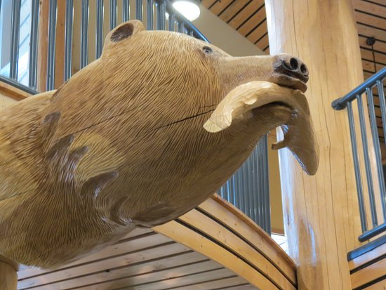 Williams Lake, Canada: Bear and Salmon - Carved by Pioneer Log Homes