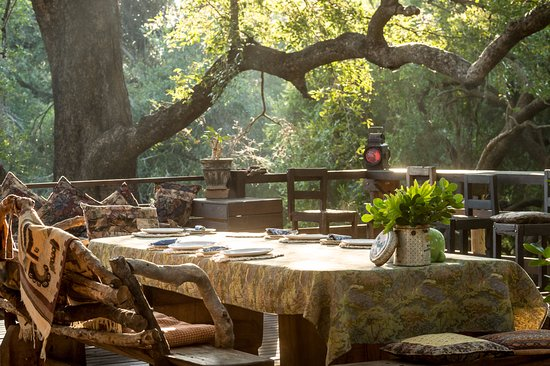 Balule Nature Reserve, Sudáfrica: Dining on the deck
