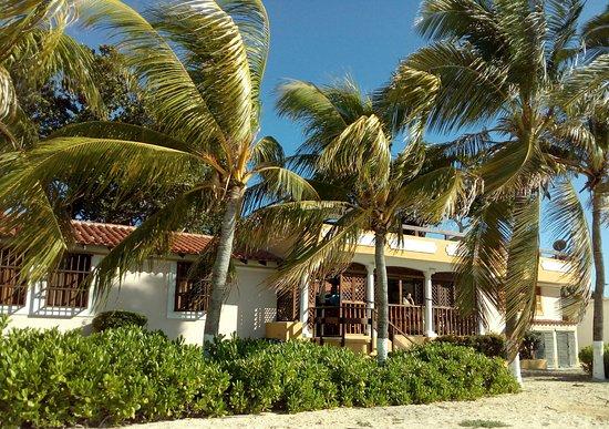 Posada Macanao Lodge: Fachada de Playa