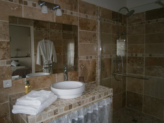 Rochegude, Frankrijk: SALLE DE BAIN LOUISE