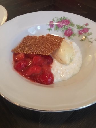 Rice pudding with strawberries and fennel ice cream ...