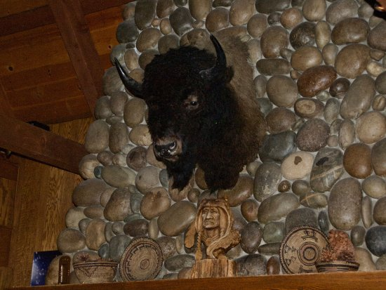 Sunnyside Restaurant and Lodge: Bison Over Fireplace