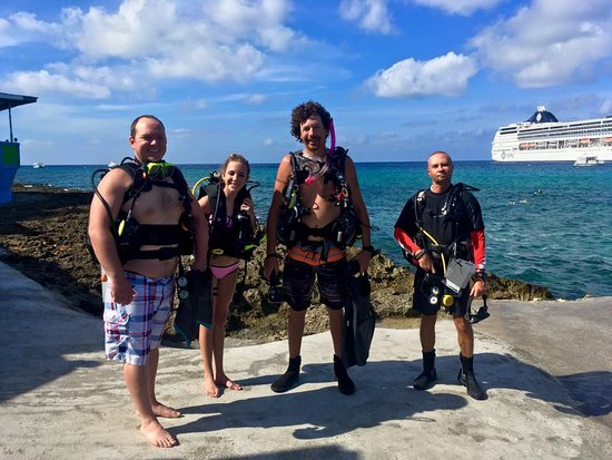 George Town, Wielki Kajman: Guided dives available 3 times daily (always small groups)