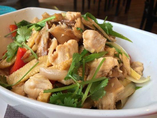 Woody's Thai Kitchen : Ginger Chicken over rice