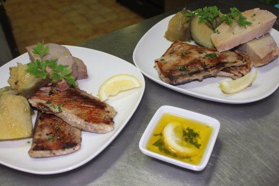 Velas, Portugal: Peixe Grelhado c/Batata Doce e Inhame / Grilled Fish w/ Sweet Potatoes and Yam