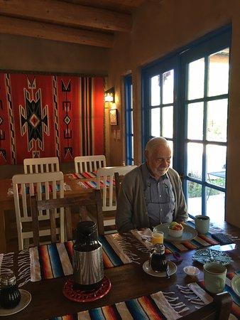 Chimayo, نيو مكسيكو: Begining of breakfast at Casa Escondida