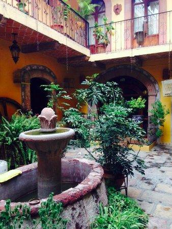 Hotel Posada San Miguelito: patio hotel