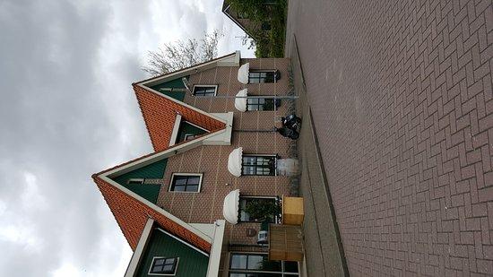 Noord-Scharwoude, Belanda: De  Buizerd