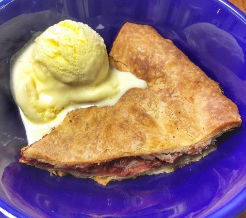 Ashland, VA: Strawberry rhubarb pie