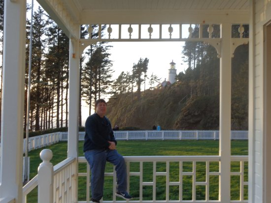 Heceta Head Lighthouse Bed and Breakfast: My husband on the balcony of Heceta Head.