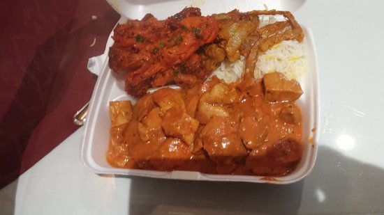 Port Coquitlam, Kanada: Lunch take out $9.99 special  including naan bread, to go from buffet