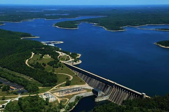 Midway, AR: Bull Shoals Dam!