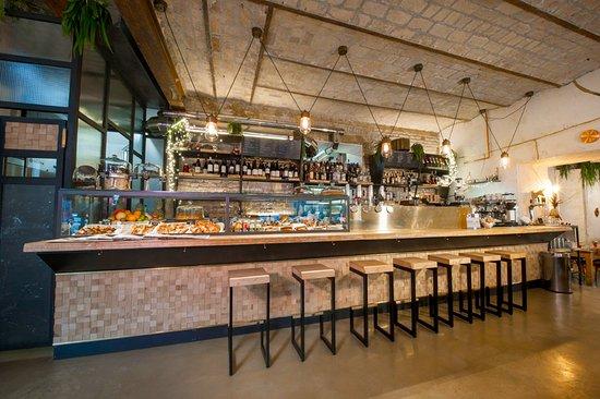 Quirinetta caff e cucina roma coment rios de for Ristrutturare bancone bar