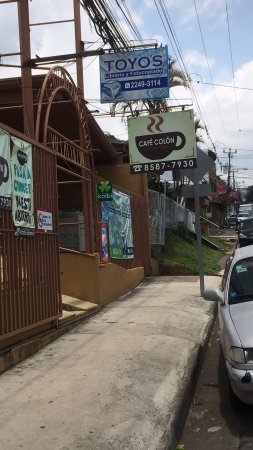Ciudad Colon, Costa Rica : Cafe Colon